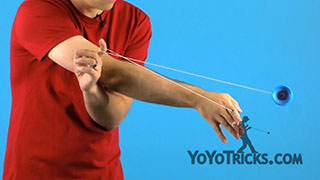 Cross-Arm Trapeze Yoyo Trick