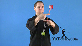 Flourish – On 3 Mounts Yoyo Trick